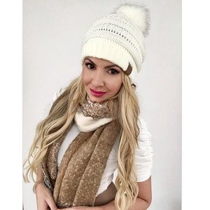 Accessories - CC Knit Beanie with Matching Fur Pom (more colors)